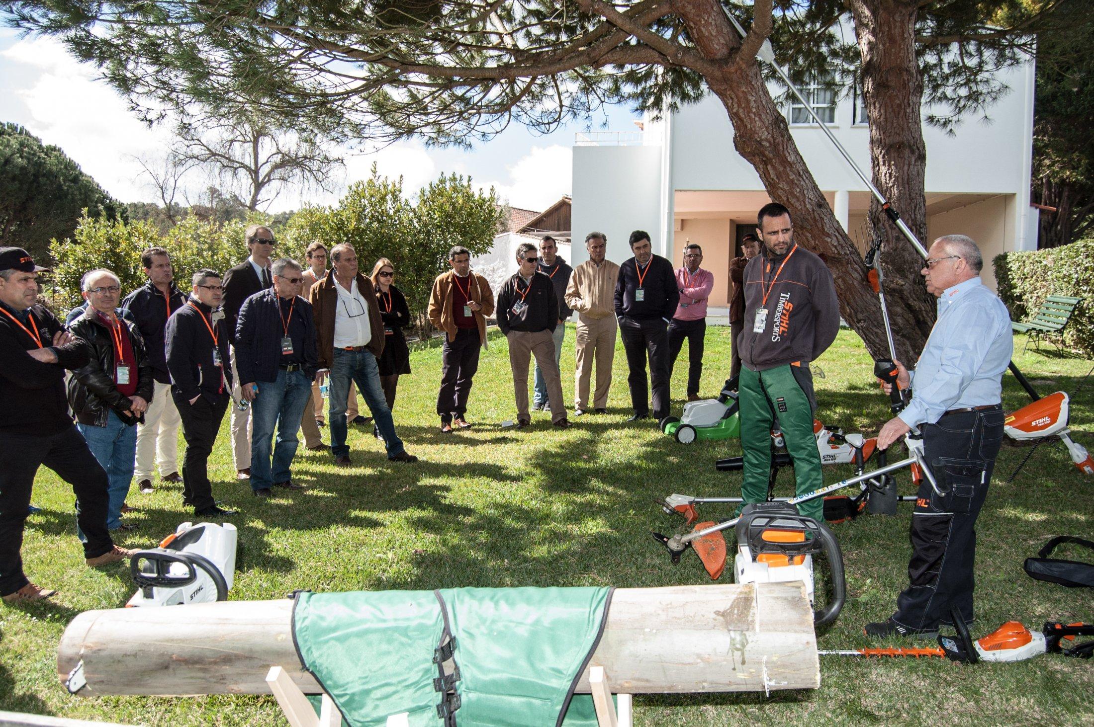 A seguir à convenção, houve demonstrações de equipamento na Quinta da Silveira.
