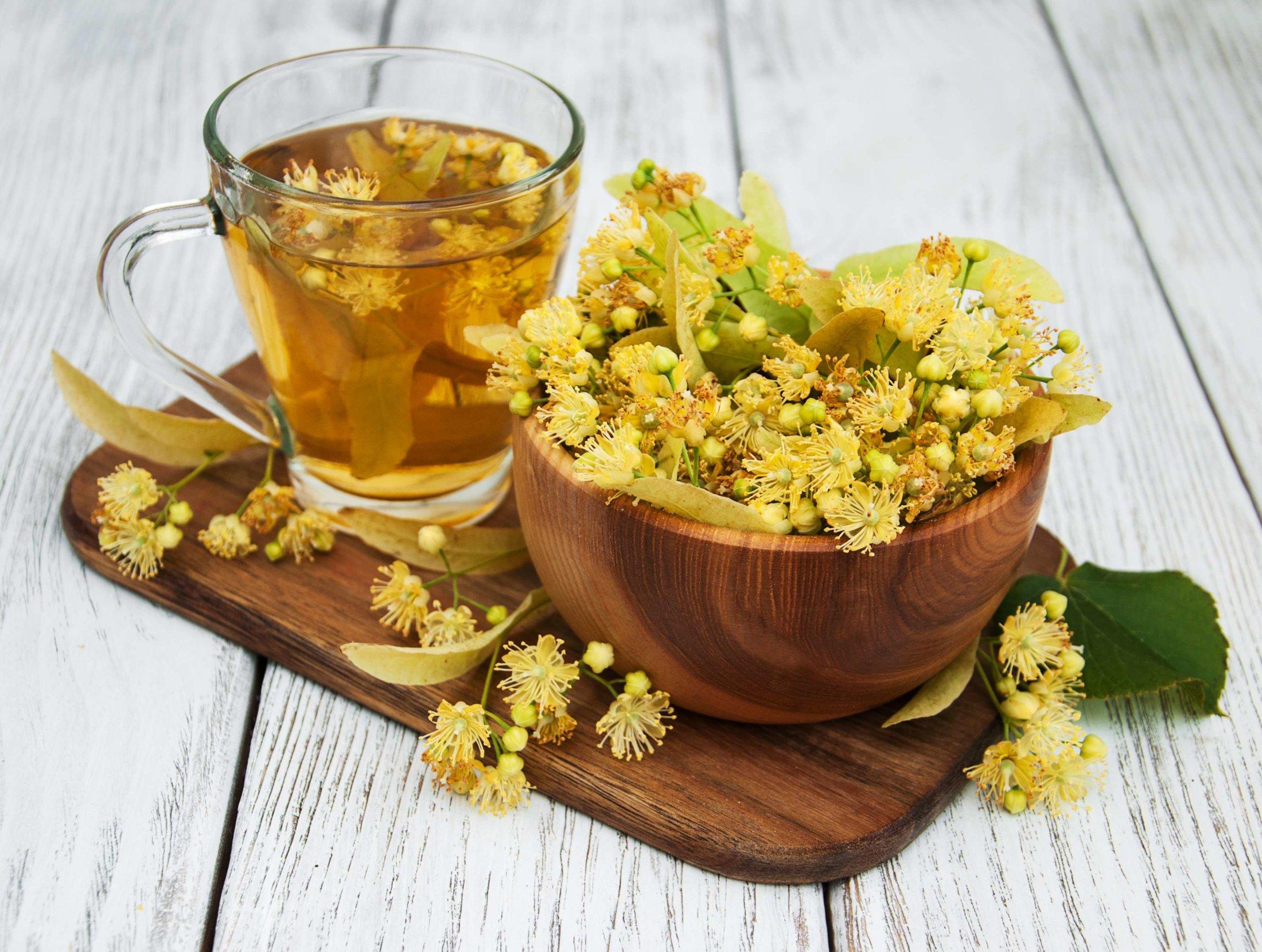 O chá de tília é muito conhecido pelas suas propriedades