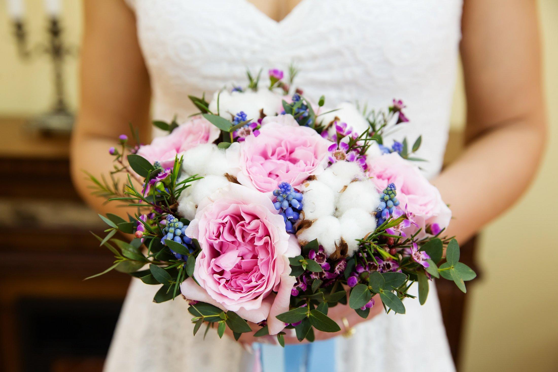 As peónias são uma excelente ideia para bouquets de noiva.