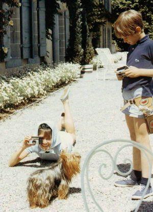 Audrey em La Paisible com o filho. Foto: Yul Brynner